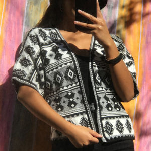 Ethnic vintage vest - Black and white