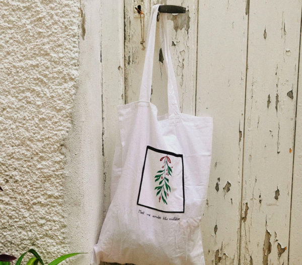 Upcycled tote bags - Meet me under the mistletoe