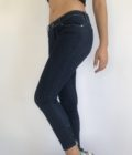 Denim ankle pair of guess jeans