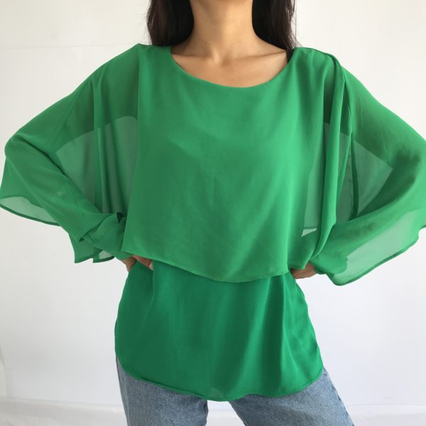 Cheeky flowy shirt for green lovers